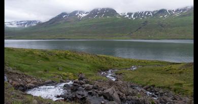 Cascada y fiordo de Stödvafjördur