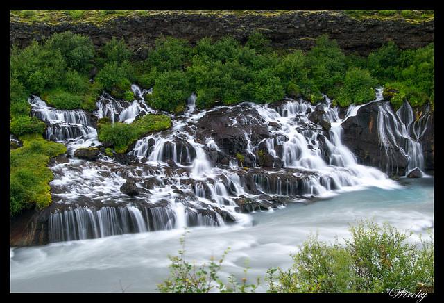 Cascada Hraunfossar Islandia cascada que no nace de un río