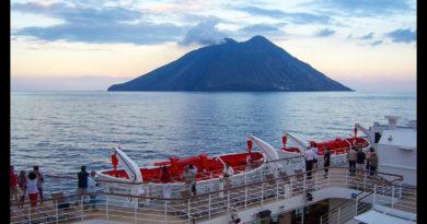 Crucero por el Mediterráneo - Isla de Stromboli